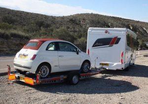 A2 avec camping-car et fiat 500